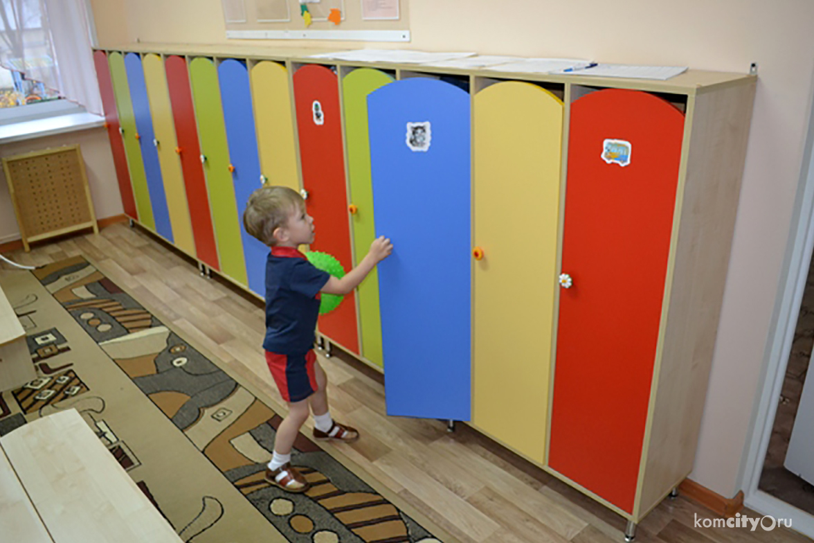 На что обратить внимание, выбирая шкафчики для детского сада.