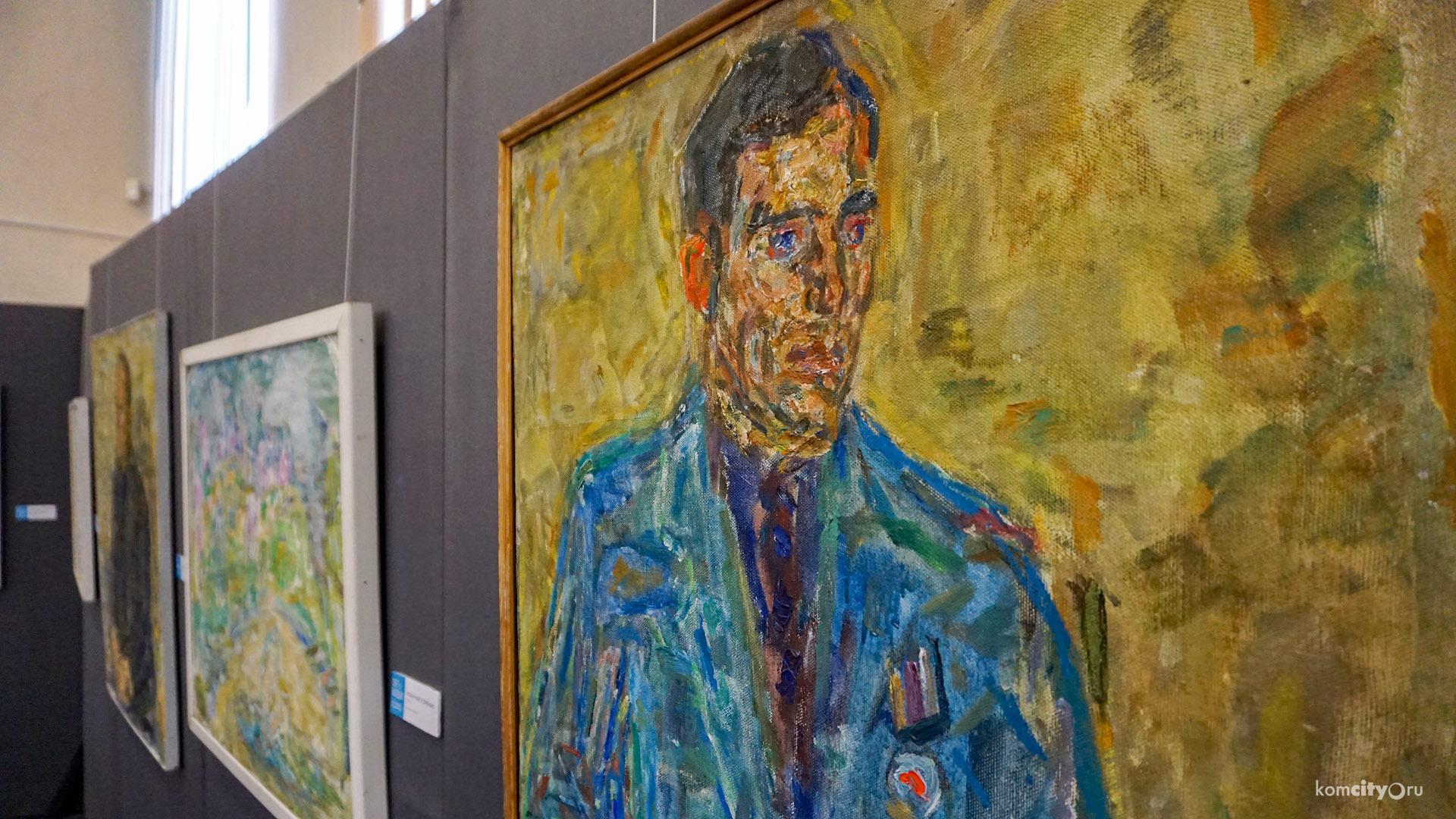 В Комсомольском-на-Амуре Музее изобразительных искусств открылась выставка «Свет и воздух» Валентины Диффинэ-Кристи